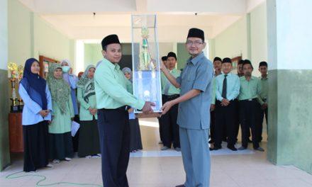 MTs-MA Darul Quran Juara Umum Aksioma Tingkat Kabupaten 2015