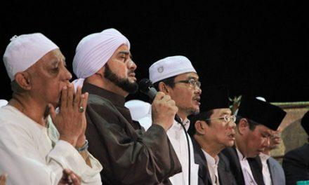 Gebyar Sholawat bersama Habib Syech di Darul Quran- Part 01