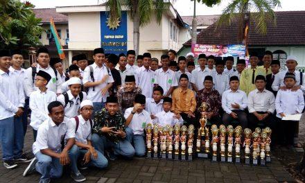 MI, MTs, MA Darul Quran Raih Juara Umum Aksioma 2017