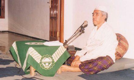 KH. Asyhari Marzuqi: Kyai yang Membumi