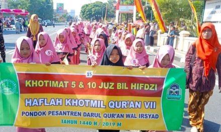 Haflah Khotmil Quran, Pon Pes Darul Quran Gelar Pawai Santri