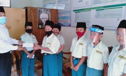HGN 2020: Siswa MI Darul Quran Surati Para Guru