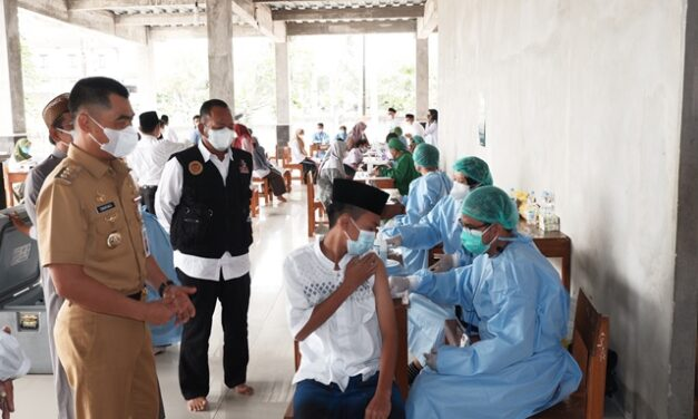 800 Santri Darul Quran Ikuti Vaksinasi